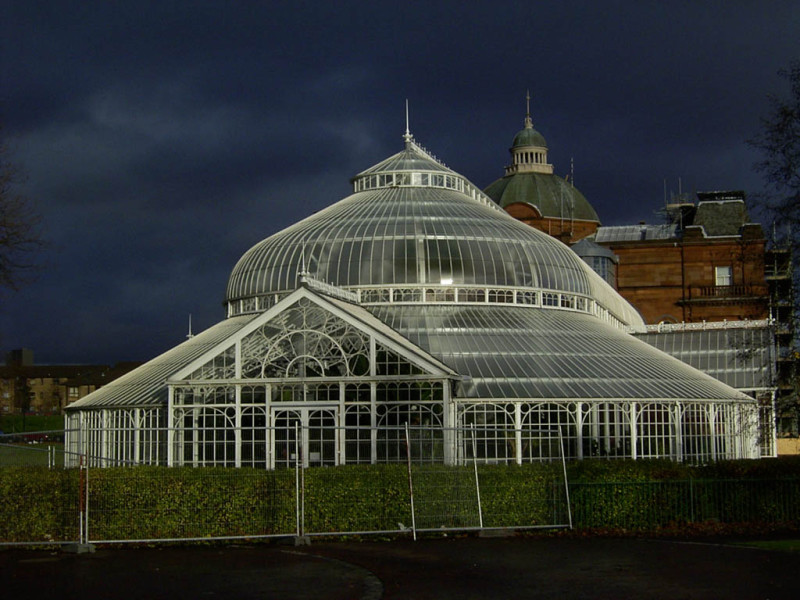 The People's Palace and Winter Gardens (the white greenhousey thing). I should have gone in, but I felt rushed by the disappearing sun to get some more photos shot.