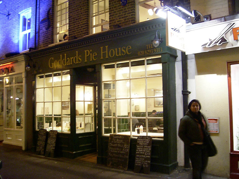 The famous Goddard's Pies in Greenwich (which, so you know, is pronounced Gren-itch – like the 'village' in New York…) mmmm…. pies.